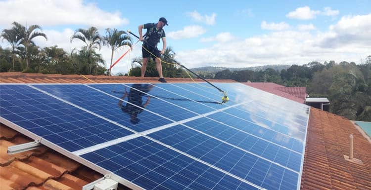 solar-panel-cleaning-company