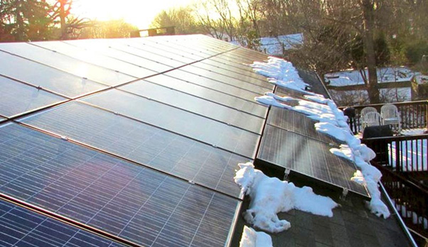 Do solar panels work in the snow