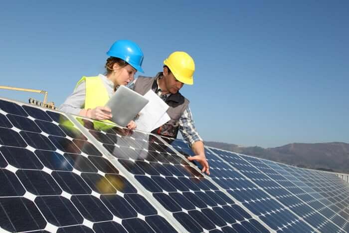 Solar Panel Repair Technicians