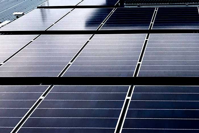 Range-of-SUNTECH-panels-reviewed-solar-panels-close-up